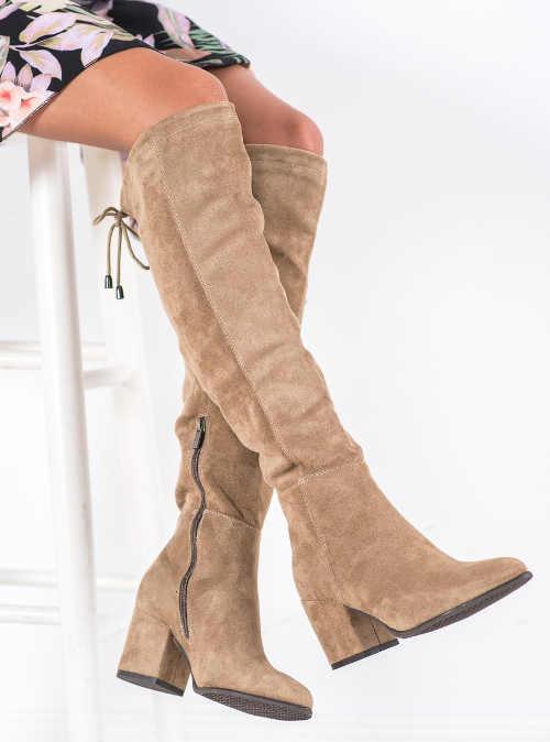 Nowoczesne wysokie zamszowe buty tanie
