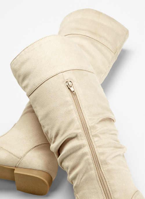 Tanie buty damskie w jasnych kolorach