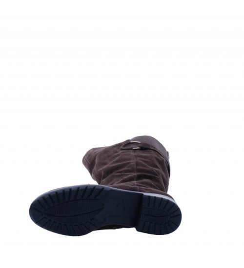 nowoczesne-ponadczasowe-wysokie-buty