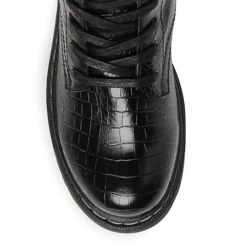 Stylowe wysokie buty z koronkowym przodem