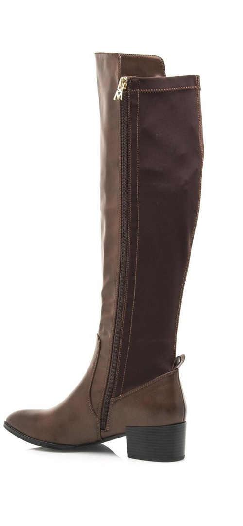 Brązowe wyższe buty damskie wykonane z eko skóry