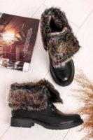 Izolowane, sznurowane buty za kostkę