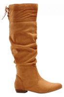 Modne wysokie buty w kolorze koniakowego brązu